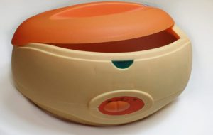 אמבט פרפין – מכשיר מתאים לטיפול בכף יד ובכף רגל כולל 3 חבילות פרפין